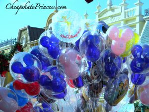can I get a Disney balloon for my birthday, how do I tell people I am having a birthday at Disney, Disney moms have a birthday at Disney, Disney Moms,