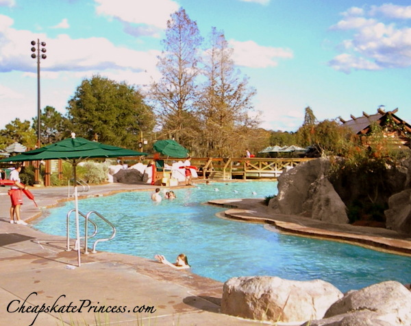 how to swim at Wilderness Lodge Resort pool at Disney World