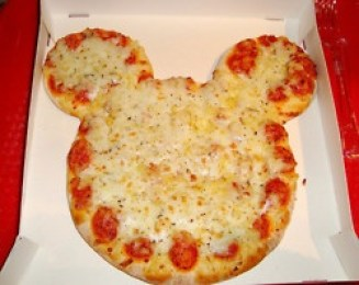 make a Disney pizza