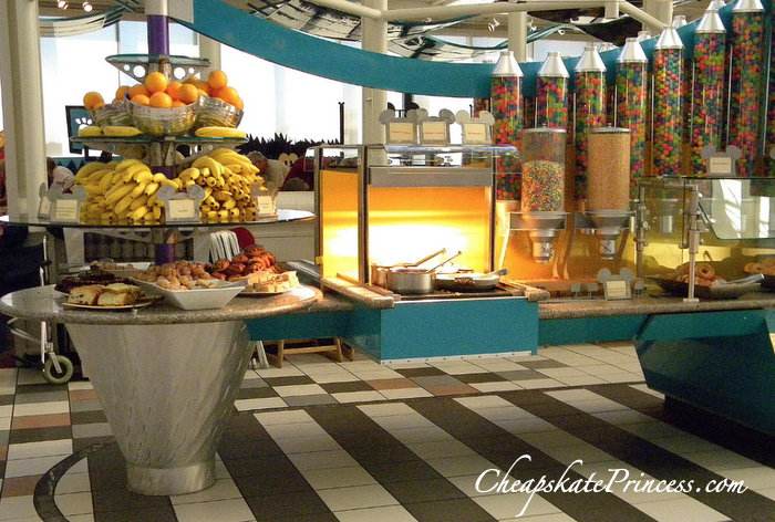 tips for kids at Disney Character Buffet meals