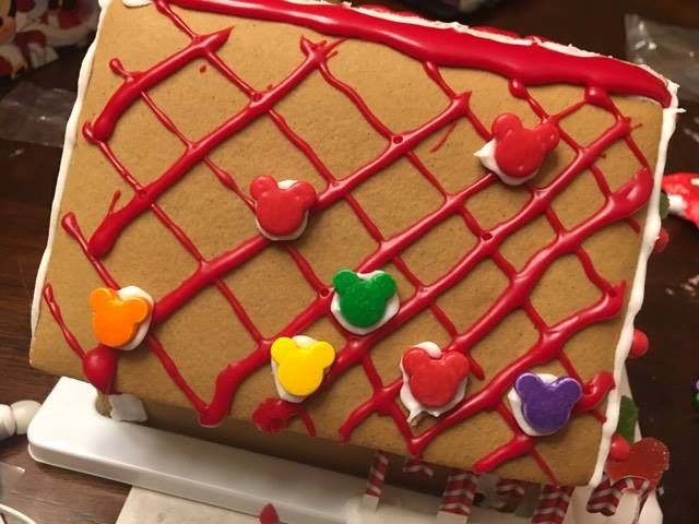 decorate a Disney gingerbread house