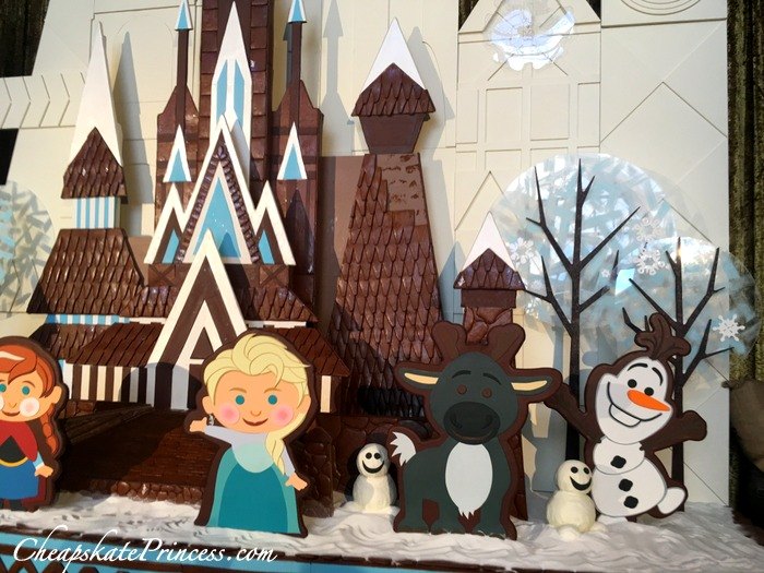 christmas-decorations-gingerbread-at-contemporary-resort