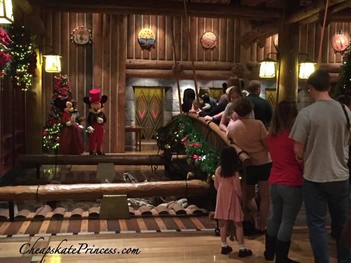 pictures-at-wilderness-lodge-at-christmas
