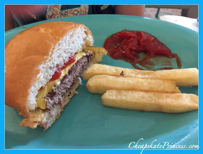 share meals at Disney World to save money
