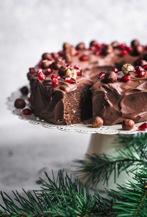 vegan chocolate hazelnut cake