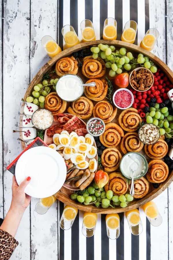 cinnamon roll breakfast charcuterie board