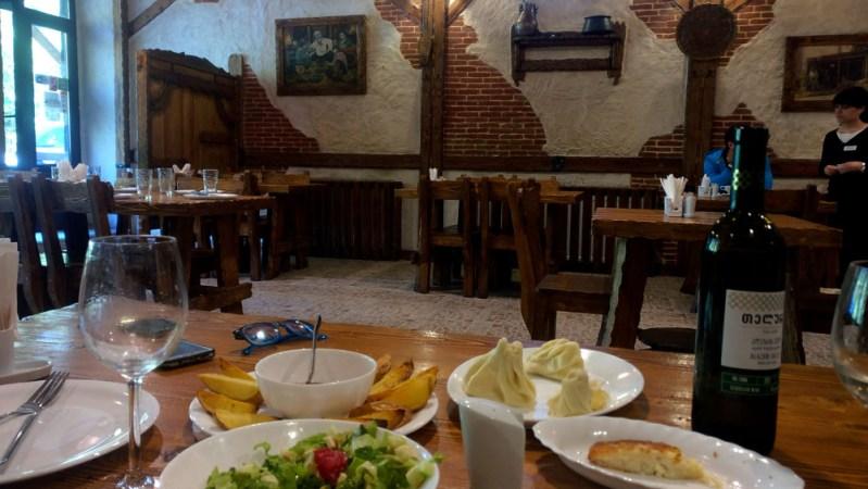 מסעדה גאורגית old city בבורג'ומי