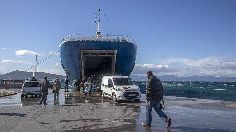 מעבורת מפיראוס לאגינה