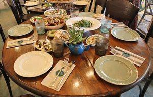שולחן אוכל בשטרודל חיפה