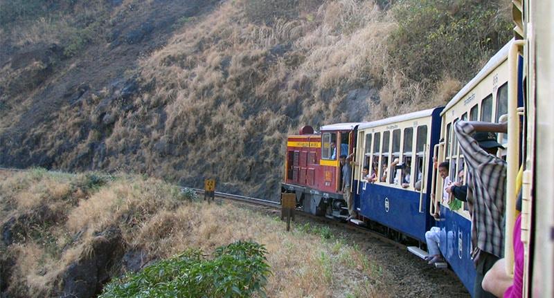 רכבת צעצוע בדרך למתראן