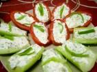 pomodori e cetrioli ripieni di philadelphia e erba cipollina