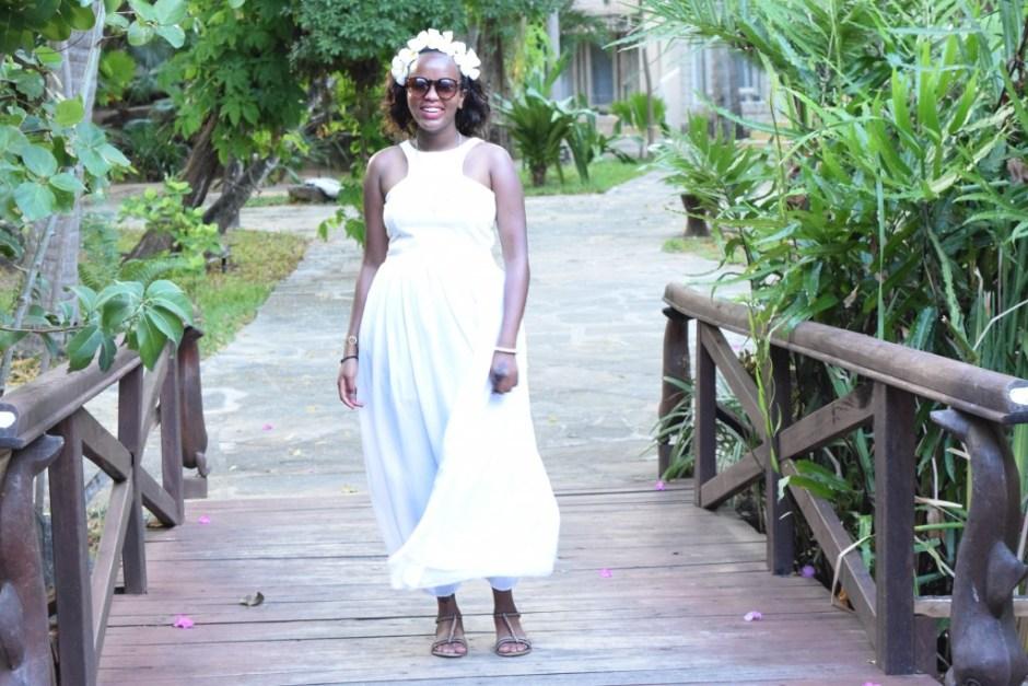 Cheekily Chic White Elephant Fashion 01