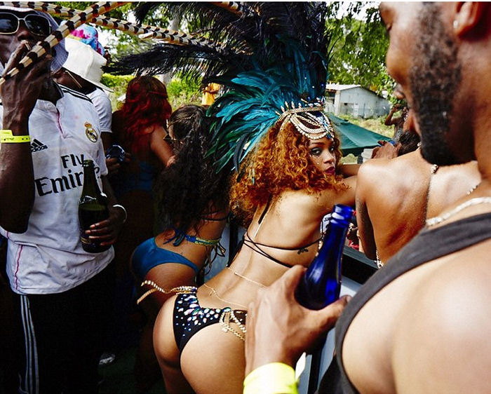 Rihanna look hot alle barbados