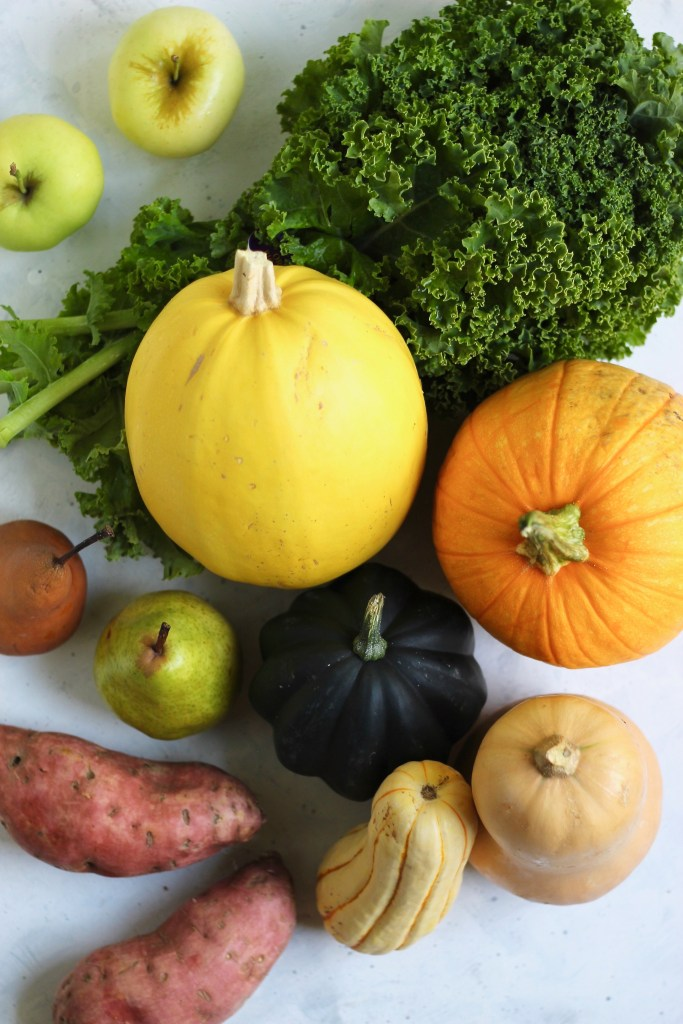 From pumpkins to apples to sweet potatoes–I've rounded up some of the most beloved produce to eat this autumn. This fall produce favorites guide includes cooking tips as well as 50 delicious, healthy recipes. #FallProduce #SeasonalGuide #HealthyEats #CookingTips #RecipeRoundp #CheerfulChoices