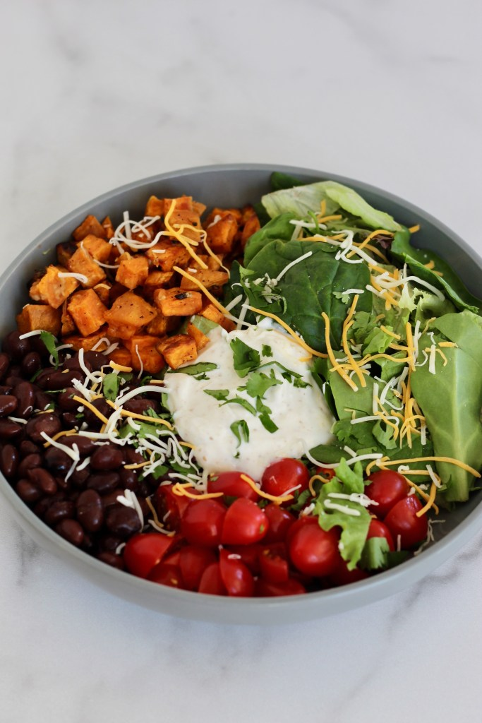 This customizable power bowl is filled with delicious, healthy ingredients like grains, veggies, and lean protein to provide long-lasting energy throughout the day. Perfect for meal prep! #powerbowl  #mealprep #customize #CheerfulChoices