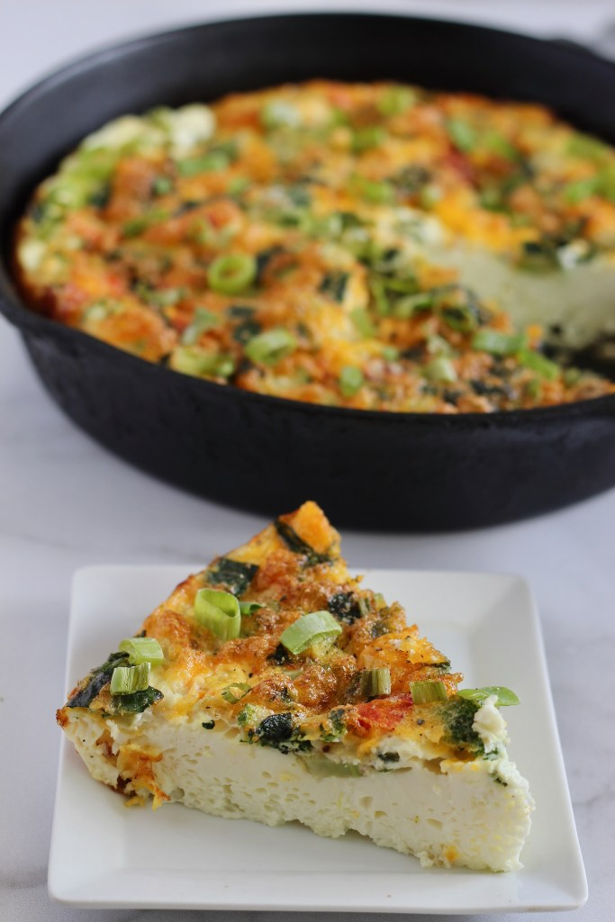 This healthy egg white frittata made with @bobevansfarms liquid egg whites is the perfect dish to fuel your day. It's packed with protein and any vegetables you have on hand. Plus, all you need is 6 ingredients and one pan. #Sponsored #Vegetarian #HealthyRecipes #Frittata #ProteinPacked