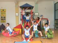 we're happy playing in this playroom..yeayy