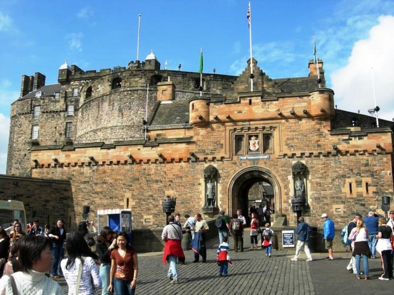 Edinburgh Castle in Edinburgh Itinerary