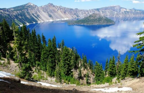 15 Most Beautiful Lakes In The United States