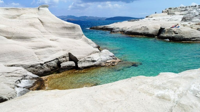 Sarakiniko Beach – Things To Do In Greece