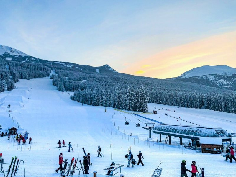 Lake Louise Ski Hill - Places to visit in Canada in winter