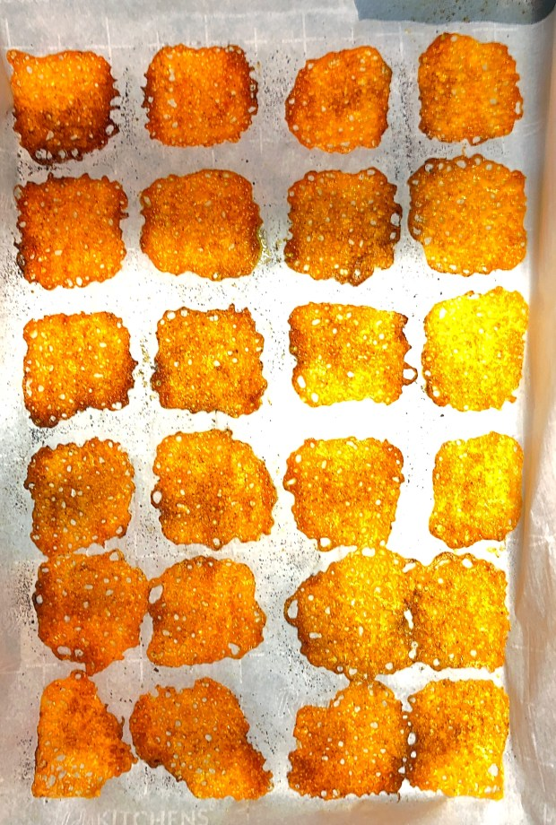 cheeryandcharming_keto_diet_cheese crisps_1