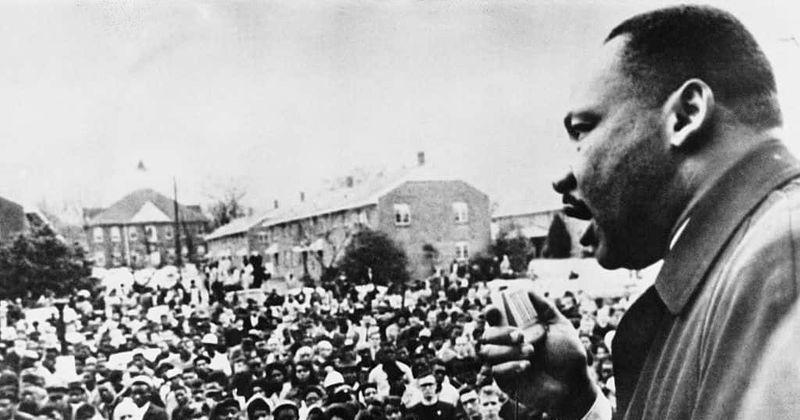 La característica más orgullosa fue pintar un retrato realista de Martin Luther King, dice el escritor de