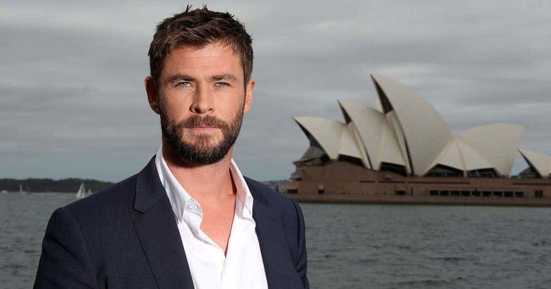 Chris Hemsworth hace un golpe amistoso a The Rock y lanza una bomba de spoiler