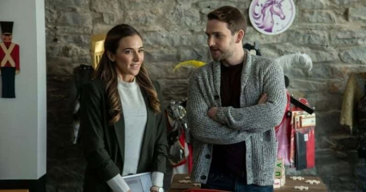 'Navidad casera': Conoce a Michelle Argyris, Travis Nelson y el resto del elenco de la película navideña de Lifetime