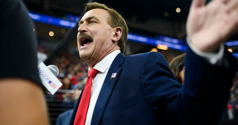 what is mike lindell s net worth