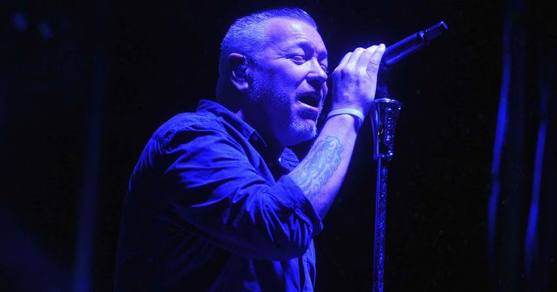 ¿Por qué Steve Harwell dejó Smash Mouth?  La banda no se disolverá después de un concierto caótico.