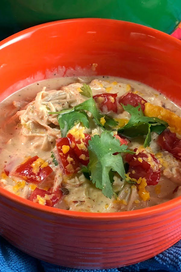 A low carb chicken soup made right on your stove-top in mere minutes?? Heck yes! This quick Low Carb Creamy Fiesta Chicken Soup is ready in less than 10 minutes and it's brimming with Mexican flavors. When you're craving something warm and satisfying, yet low carb, this is just the fix! #lowcarbsoup #lowcarb
