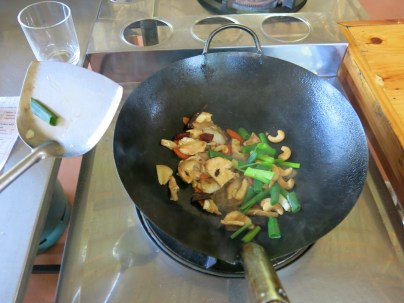 stir fried chicken with cachew