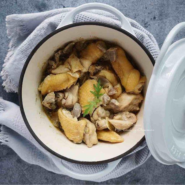 無水煮腐乳鮮姬松茸雞煲