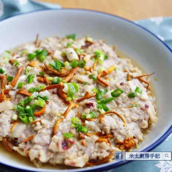 土魷蟲草花燕麥蒸肉餅