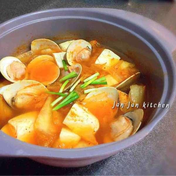 韓式泡菜大蜆豆腐鍋