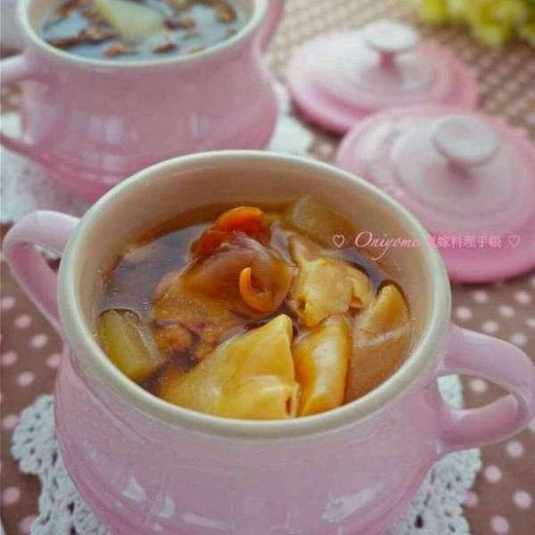 冬瓜花膠螺頭瘦肉燉湯
