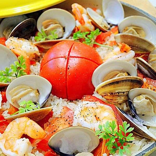 整個蕃茄海鮮飯