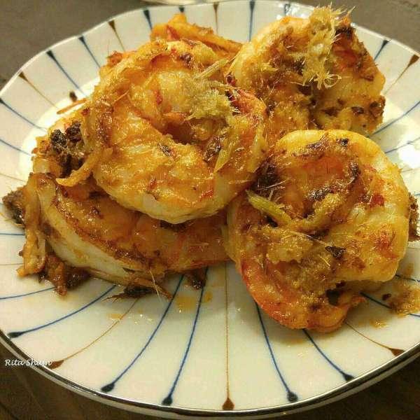 自家製香茅醬炒大蝦球