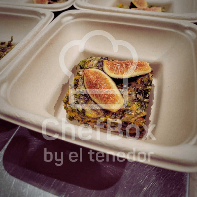Arugula figs tartar.