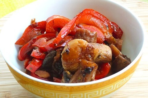Гуляш с грибами и черносливом - Рецепты вкусных блюд