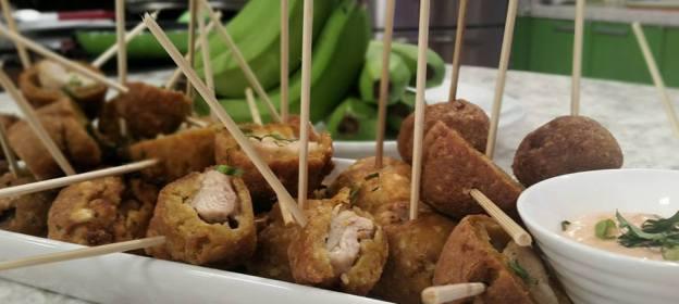 Pinchitos de pollo empanados en Bacaneo
