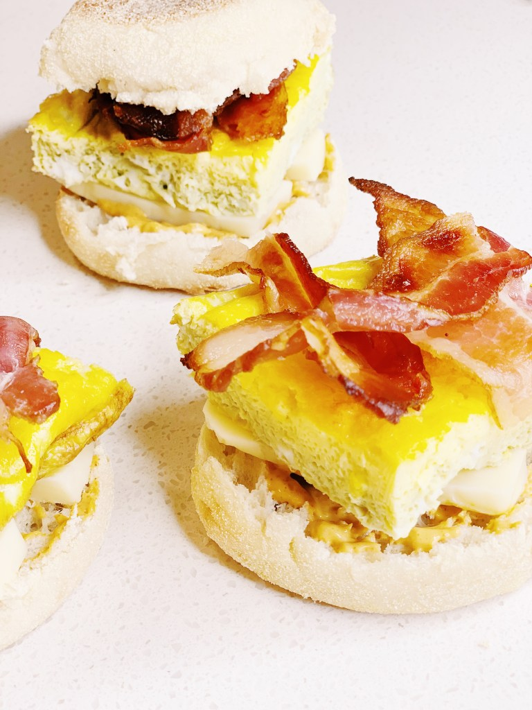 step 4 for Make-Ahead Egg, Bacon and Cheese Breakfast Sandwich add crispy bacon