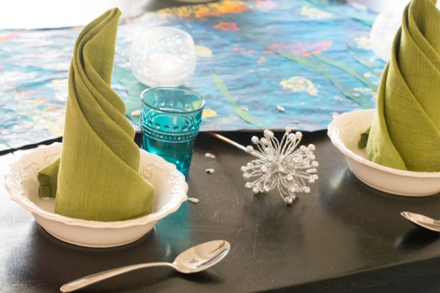 Teamwork Ocean-Inspired Tablescape from ChefSarahElizabeth.com