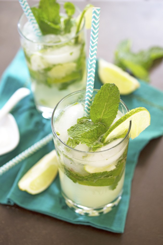 How to make The BEST Mint Mojito! (5 Ingredients!) - Chef