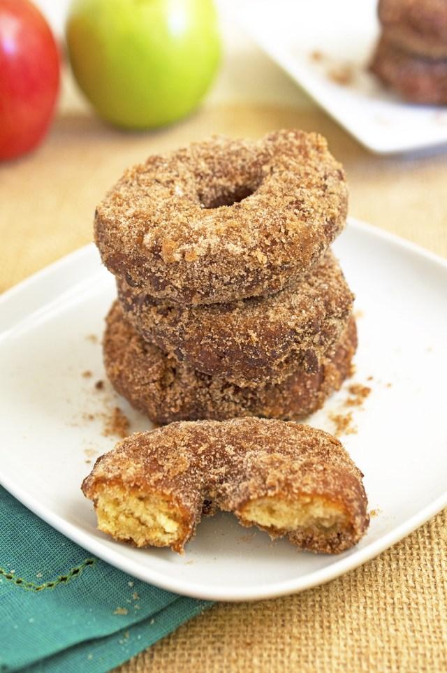Easy Homemade Apple Cider Doughnuts | chefsavvy.com