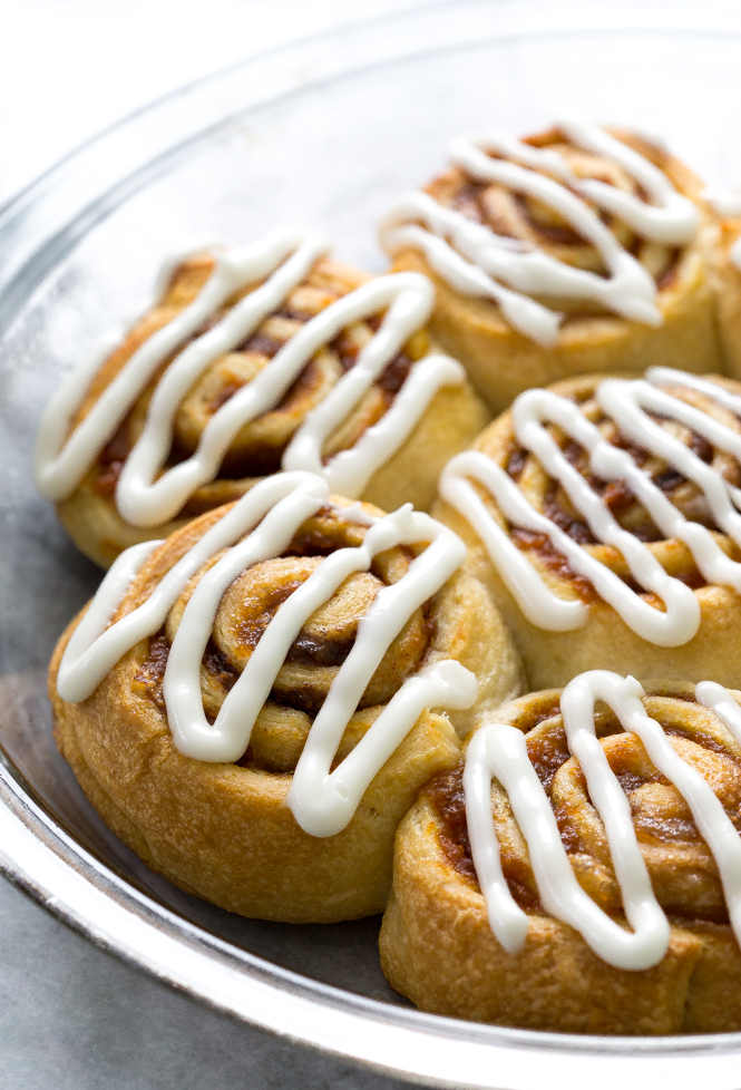 5-Ingredient-pumpkin-cinnamon-rolls