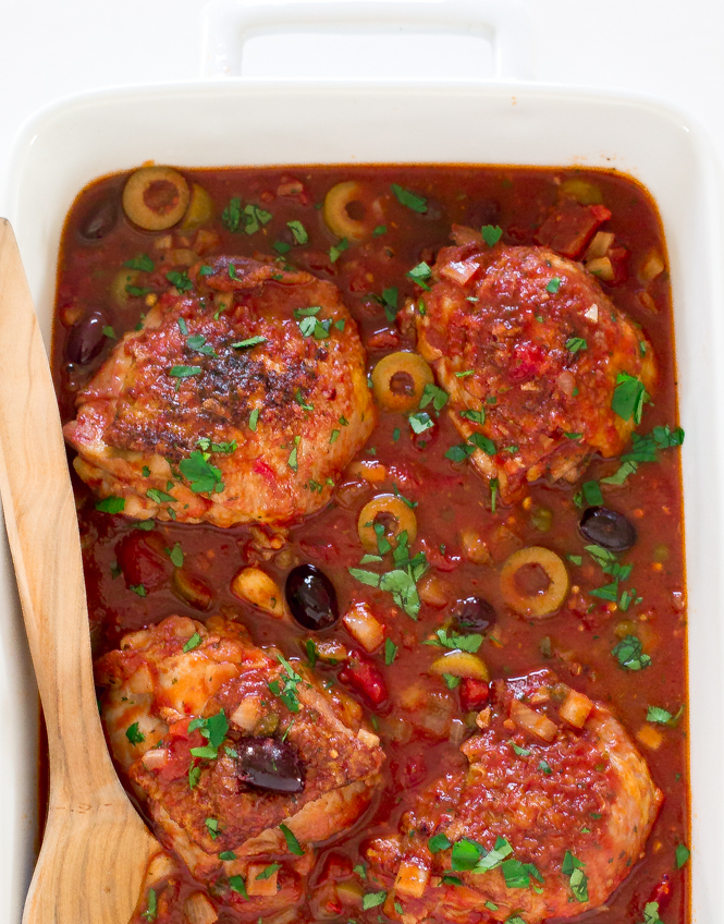 Easy Chicken Puttanesca | chefsavvy.com