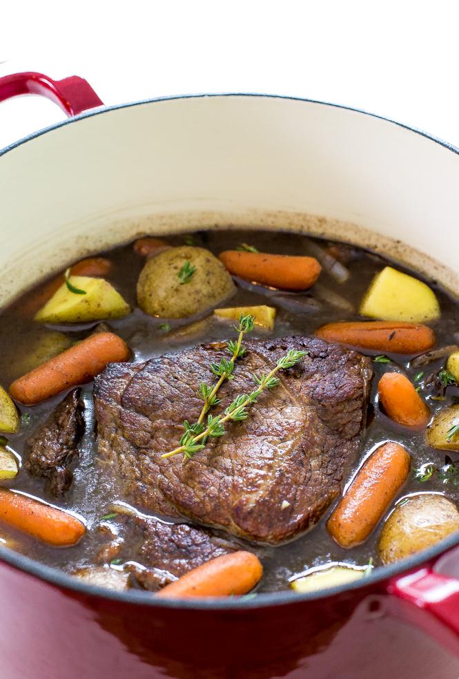 Easy Pot Roast | chefsavvy.com
