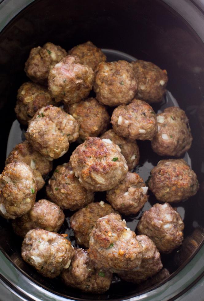 Italian Crockpot Meatballs | chefsavvy.com